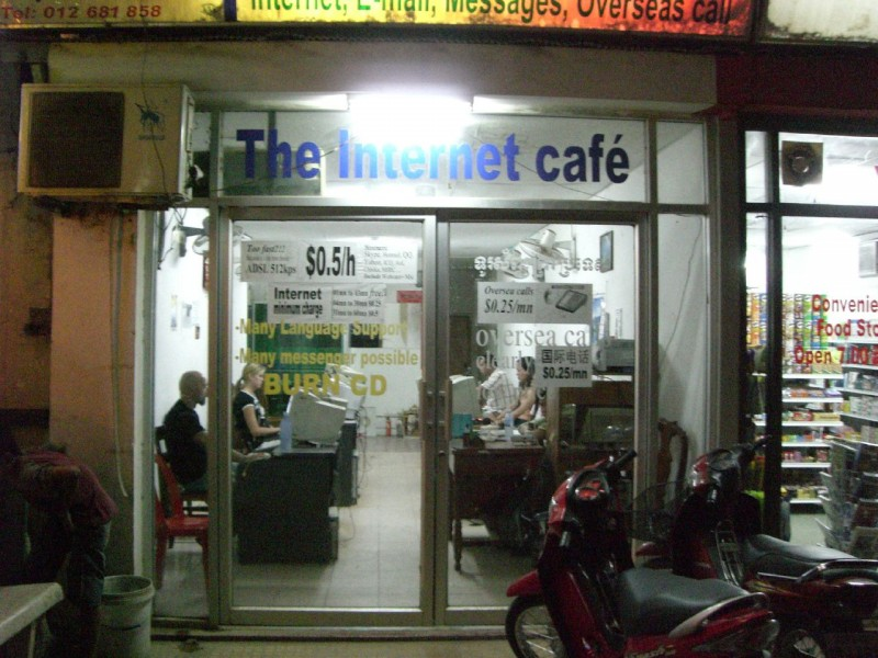 Internetcafe in Siem Reap/Cambodia. By Dieter Zirnig on Flickr